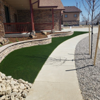 2032 Turf with Stone Seat Wall Front Yard