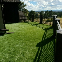 0916C - Turf on Roof with Metal Rail